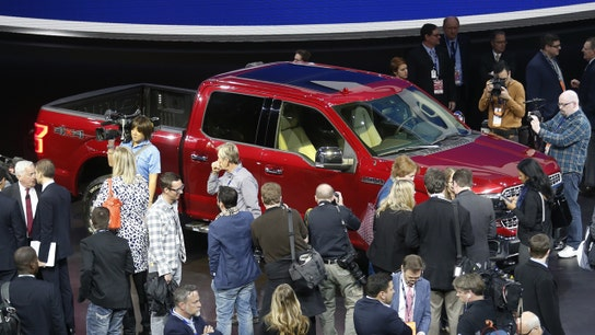 Trump Becomes Star of Detroit Auto Show