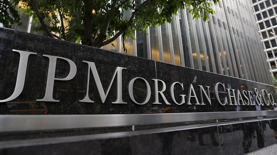 JPMorgan Chase 4Q EPS misses estimate as bond trading slumps