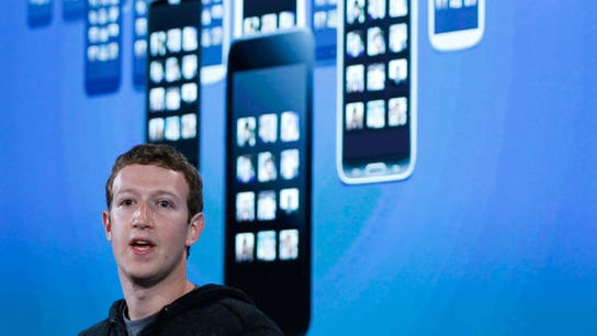 Zuckerberg to Unload $2.3B Shares of Facebook, Buy 60M Class B Shares