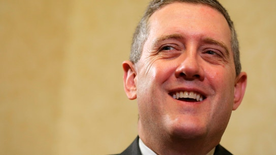 Exclusive: Fed's Bullard Takes Different View on Rate Hike vs. Yellen