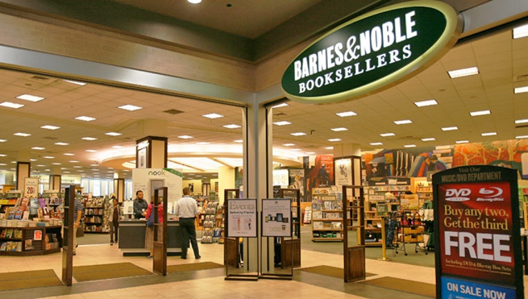 Barnes Noble Lays Off Employees Amid Sagging Sales Fox Business