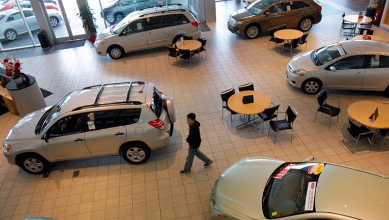 what to know about financing your car through an auto dealership