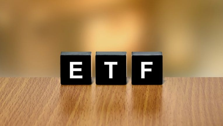 5 Reasons to Buy the Vanguard Total Stock Market ETF
