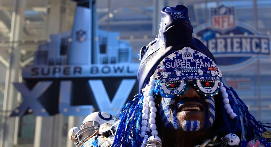 Super Bowl 2012 Football Fan reuters