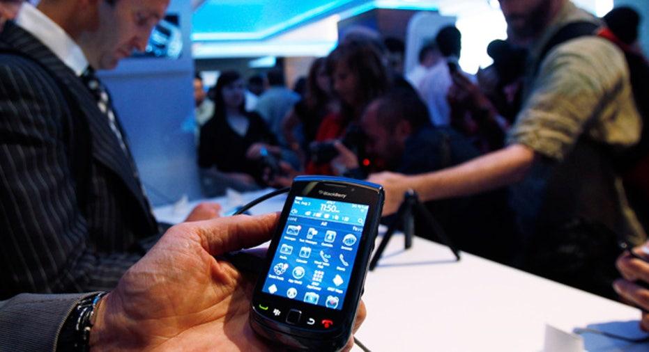 BlackBerry Torch 9800 in Hand