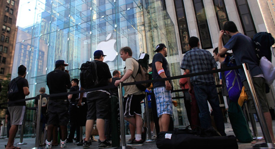 Line for iPhone 4 in NYC