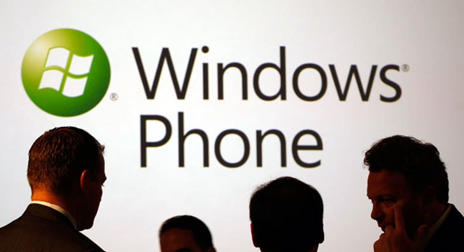 People Await Windows Phone 7 Launch Event in New York