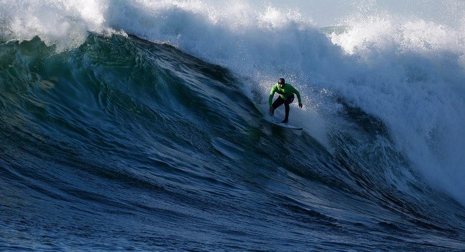 SURFING/