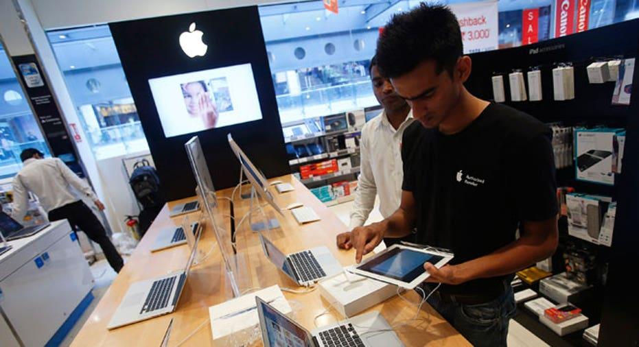 customer, apple, Apple store, ipad, iphone, AAPL