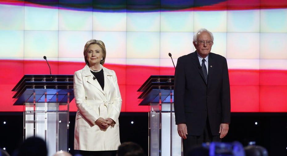 Clinton, Sanders Debate