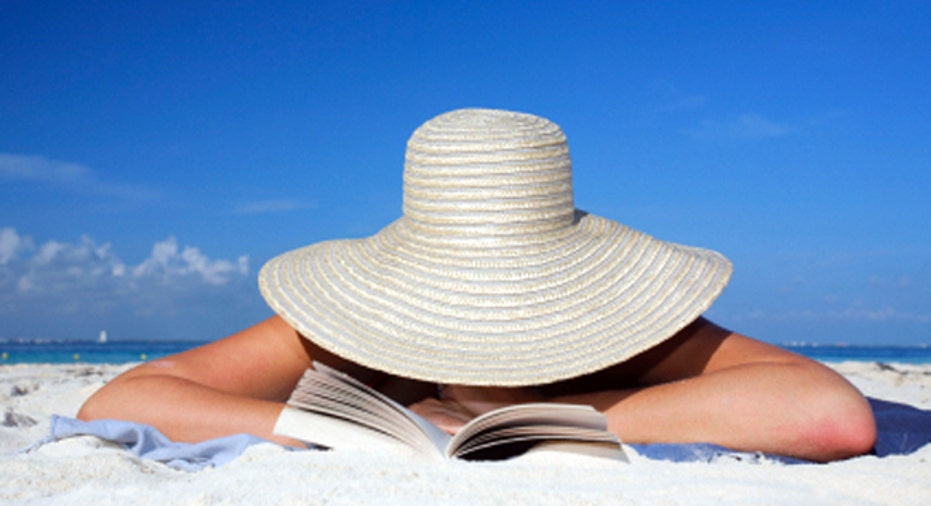 Summer Beach Reading, 640x360