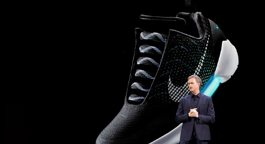 Nike HyperAdapt CEO Mark Parker FBN