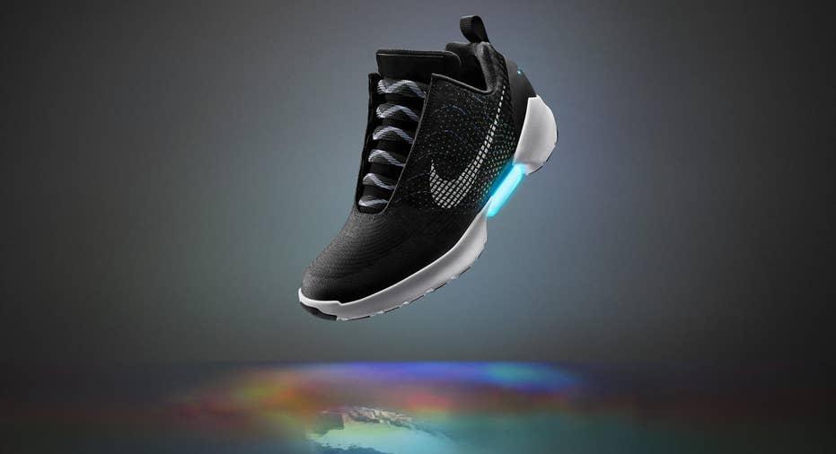 Nike HyperAdapt power laces FBN