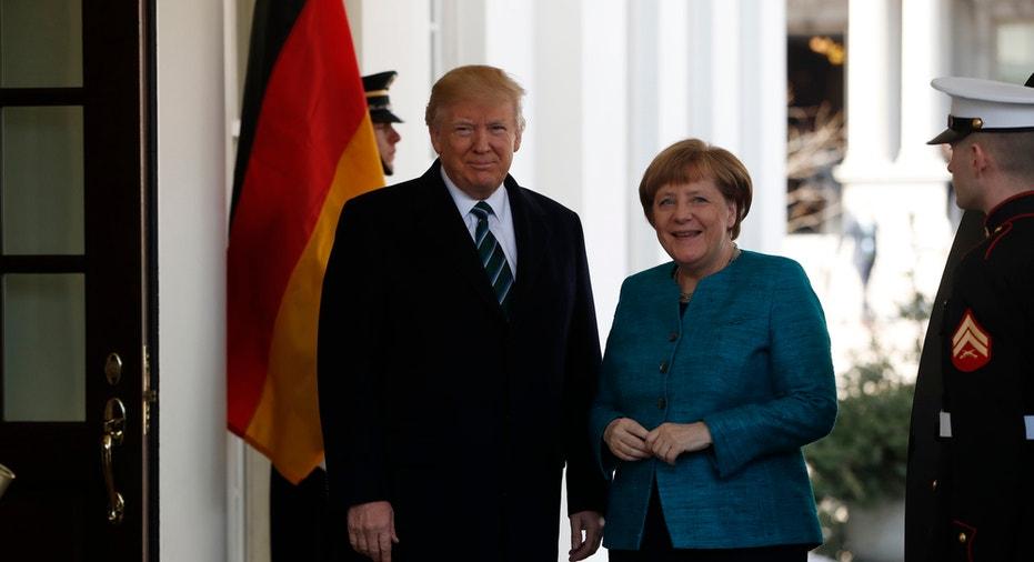 Trump Merkel Meeting FBN