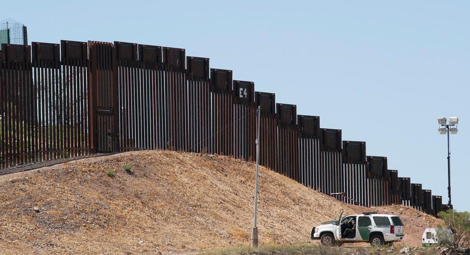 BorderWall_1