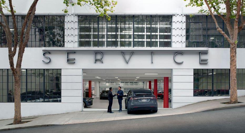 Tesla service center entrance FBN
