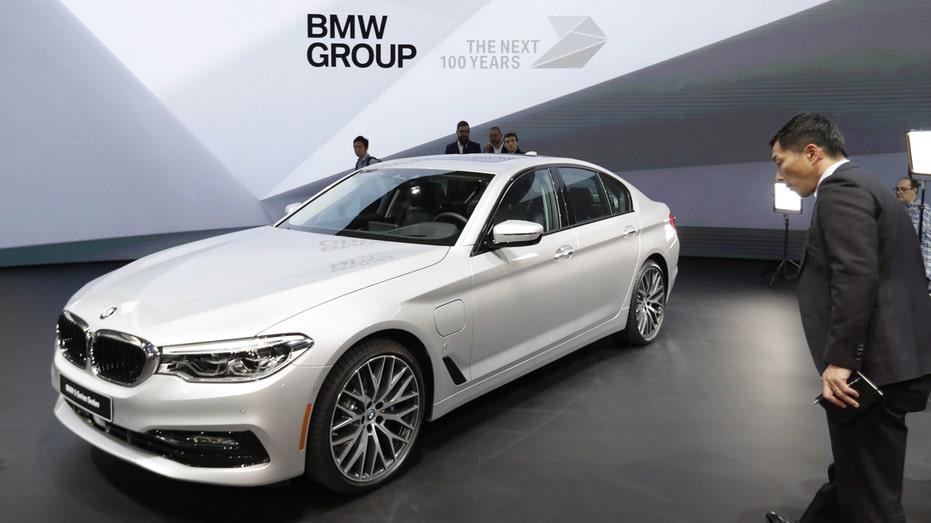 BMW 5-series Detroit auto show FBN