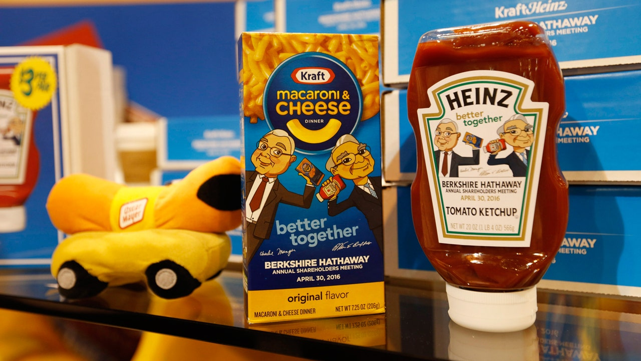 Buffett's Kraft-Heinz investment takes another blow