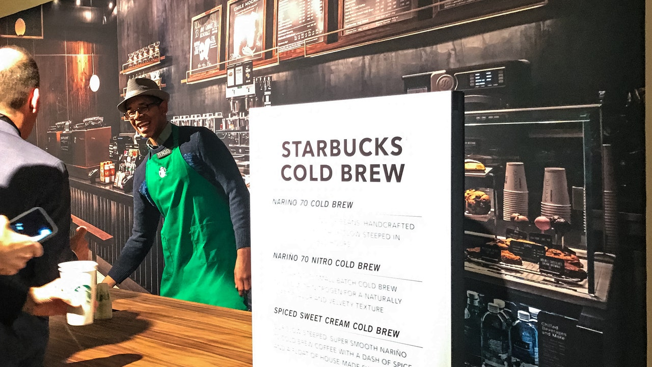 Starbucks Steps Up Expansion as CEO Schultz Preps High-End Market ...