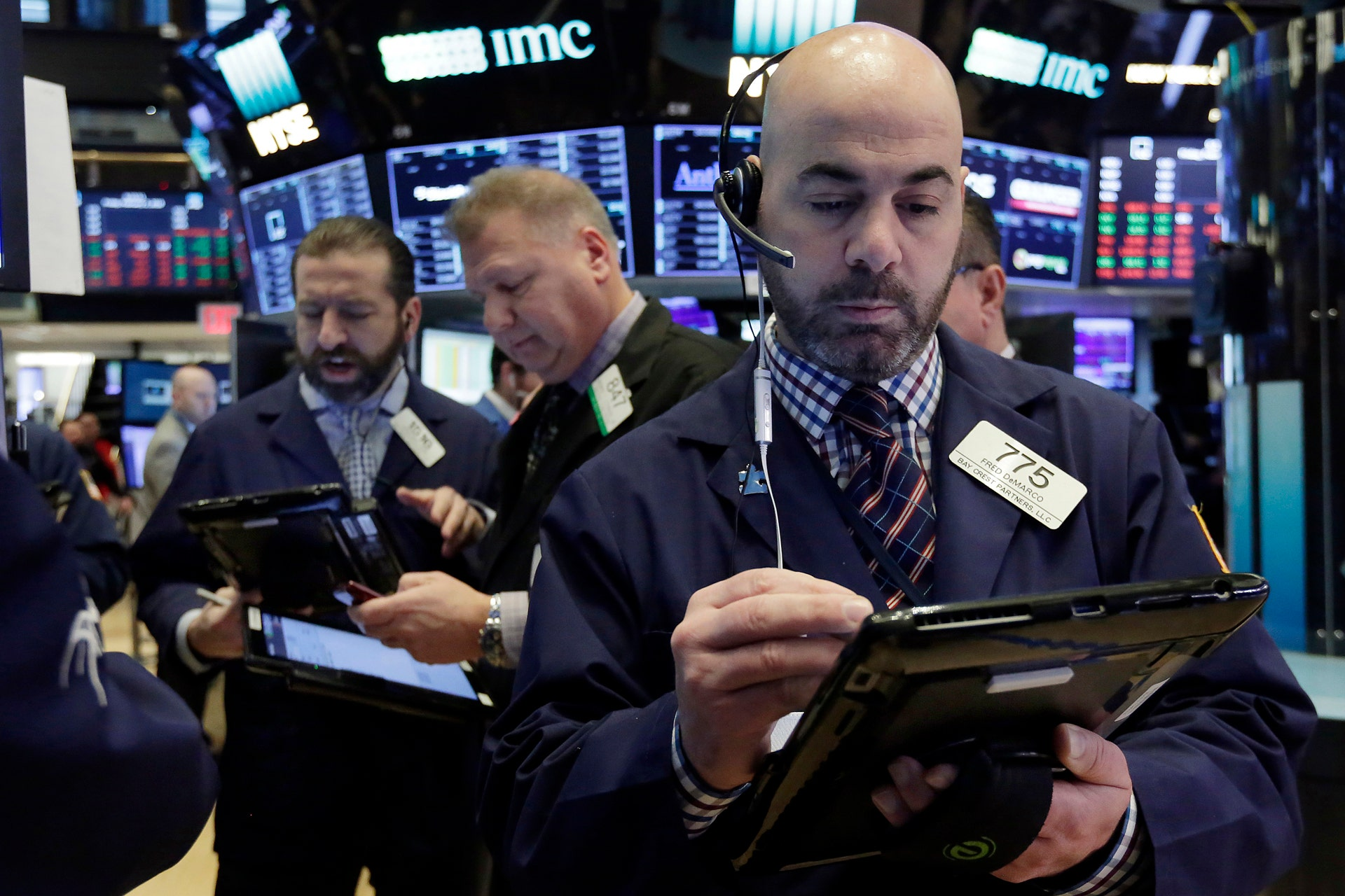 Stock futures pause after Dow hits record - Fox Business