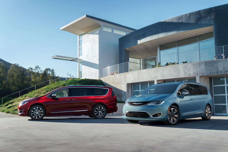 Fiat Chrysler Recalls Pacifica Minivans To Fix Seat Belt