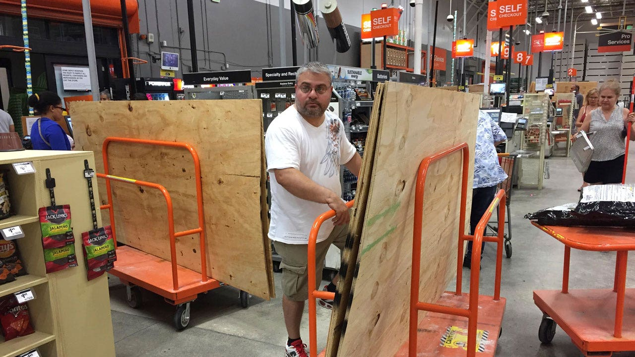 Hurricane Irma Home Depot Lowe 39 S Prepare For Second