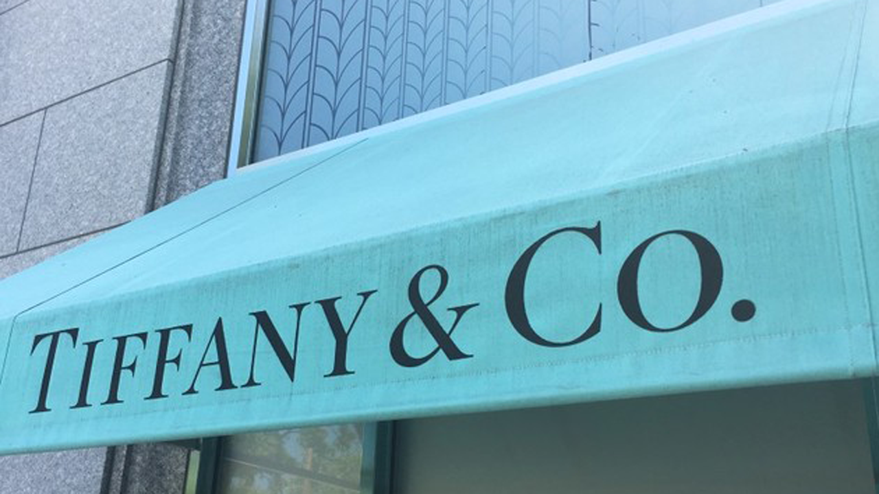 371856970a76b Tiffany holiday sales fall as Chinese tourists spend less