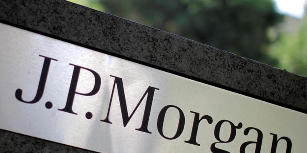 JPMorgan trades banker offices for shared desks | Fox Business