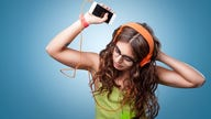 Amazon offers free music streaming service