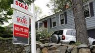 Coronavirus causes mortgage applications to plunge
