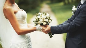 Cheap weddings on the rise: Here are the pros and cons