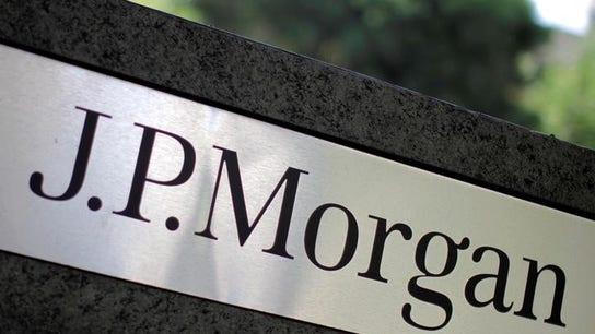 JPMorgan trades banker offices for shared desks