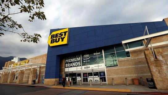 Best Buy 1Q comparable sales jump, shares up