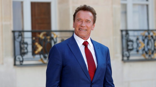 Schwarzenegger plans to sue big oil for 'first-degree murder'