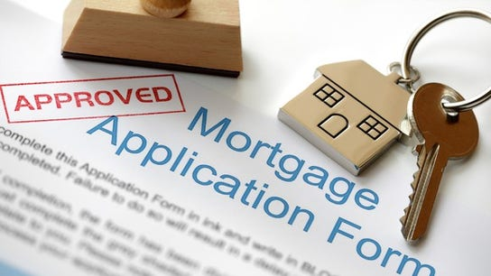 US mortgage applications up as interest rates hold steady