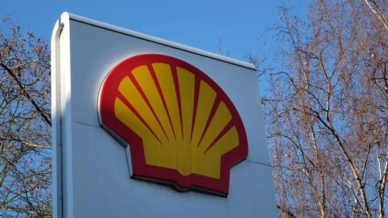 Shell defends climate strategy in clash with investors