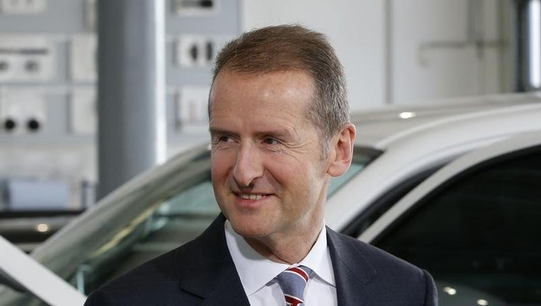 Volkswagen says expects accord with labor on jobs, costs in coming weeks