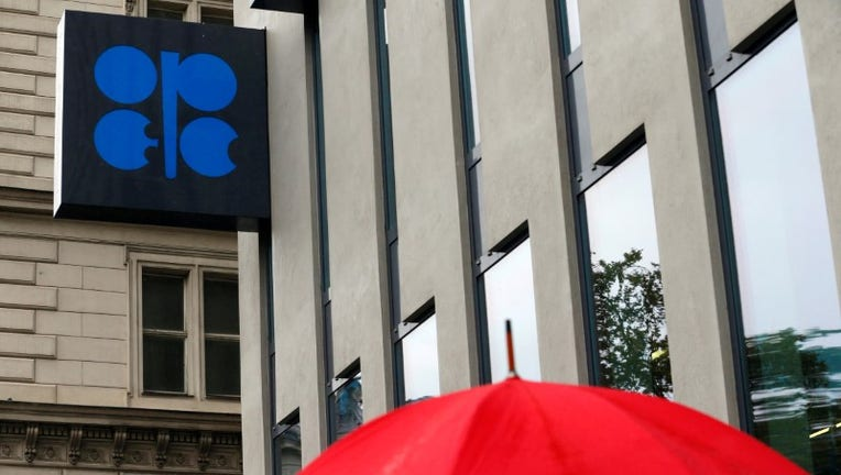 OPEC moves closer to oil output deal as Iran gets new offer