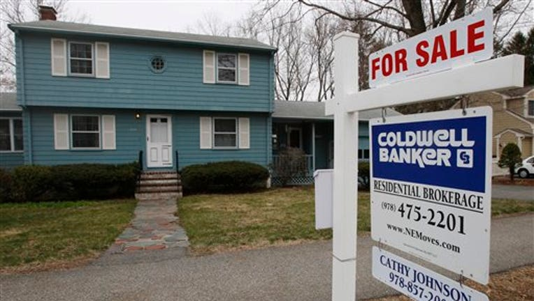 USA pending home sales rise in February