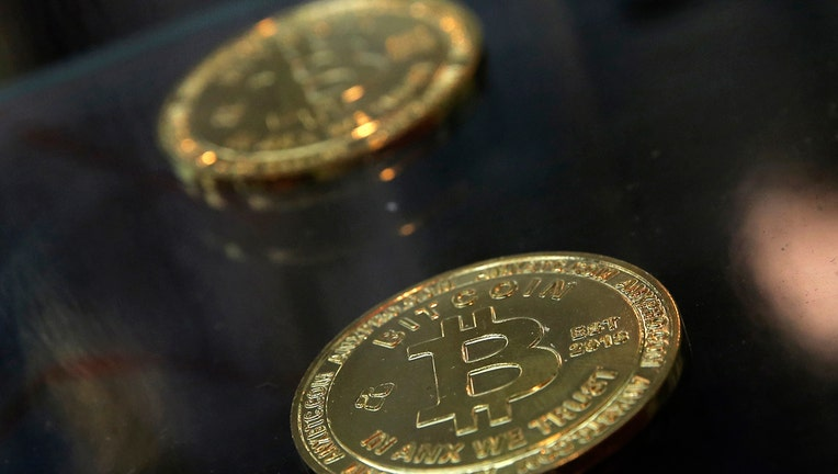 Digital currency exchange operators Coinbase and Bitfinex report problems