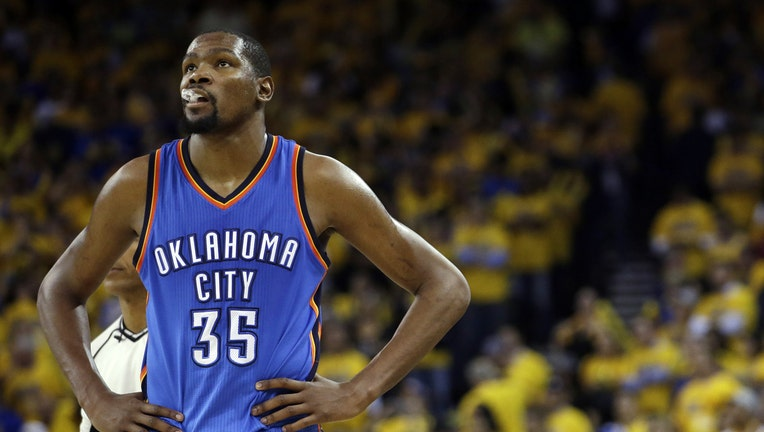 5769f40b33c What Durant s Warriors Deal Means For Nike