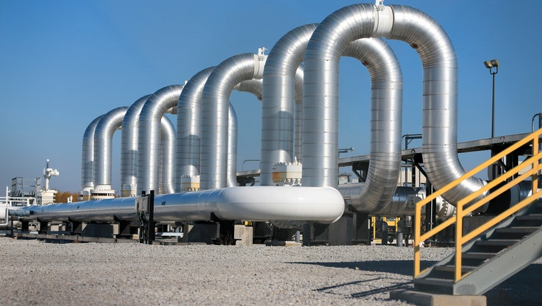 After 3 Billion Spent Keystone Xl Cant Get Oil Companies To Sign
