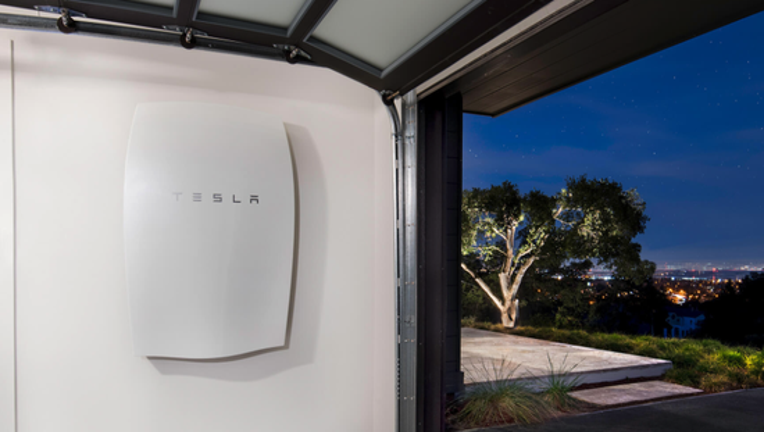 Tesla Aims to Unveil Solar Roof With Integrated Energy Storage Next Month