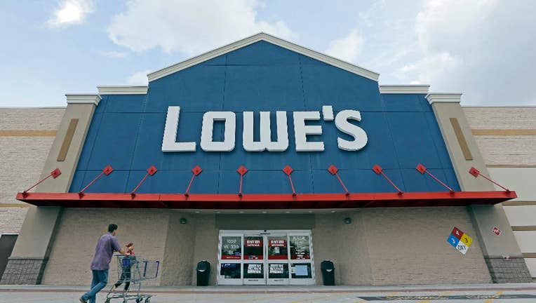 Lowe's shares rise after CEO Announces Retirement