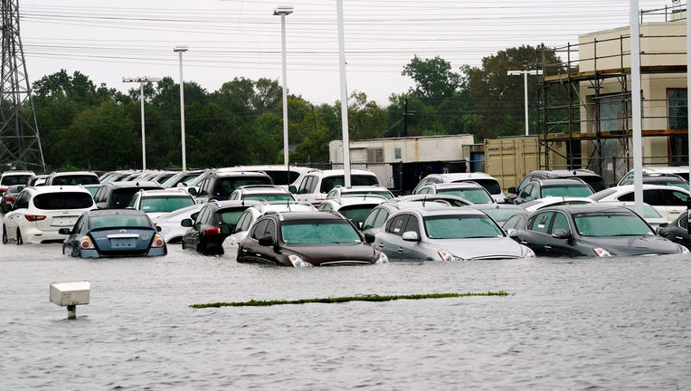 Ford Dealership Houston >> Gm Ford To Ship Vehicles Into Houston After Harvey Fox Business