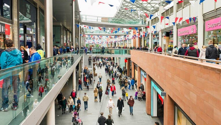 25% of U S  shopping malls expected to close by 2022, report