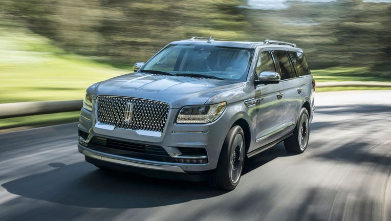 2018 Lincoln Navigator Taking The Fight To Cadillac Escalade
