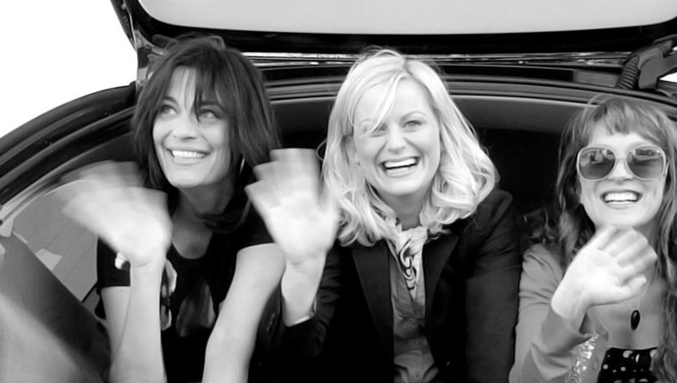 The Story Behind Amy Poehler's Smart Girls