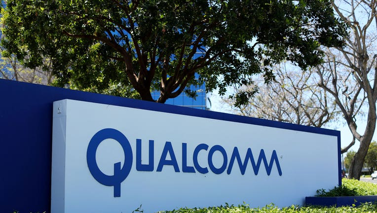 US Reviews Broadcom's Bid for Qualcomm