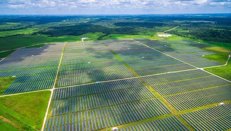The U.A.E. Sets Its Sights on Biggest Solar Farm Ever